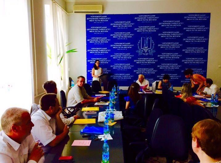 Влада Литовченко защитила диссертацию на тему ЮНЕСКО touch   в Черноморском государственном университете имени Петра Могилы На вопросы о том почему именно этот город был выбран для защиты диссертации